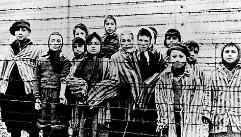 Prisioneros de Auschwitz luego de ser liberados