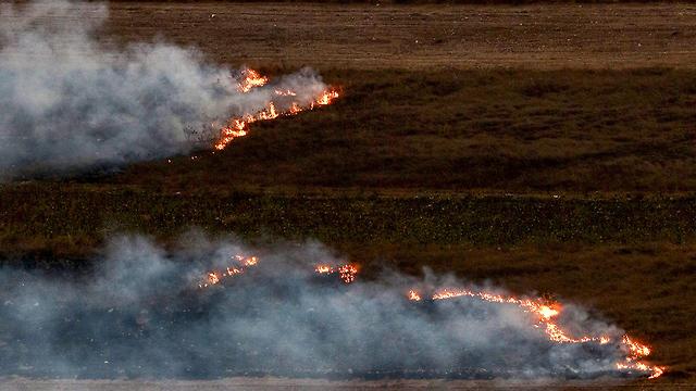 Incendios en el sur del Líbano después de un bombardeo de artillería de las FDI
