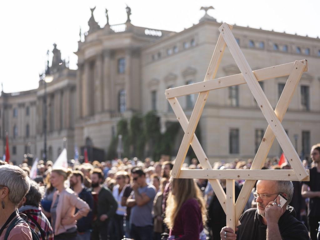 Protestas en Berlín contra el antisemitismo que provocó 2 muertes en las cercanías de una sinagoga de Halle