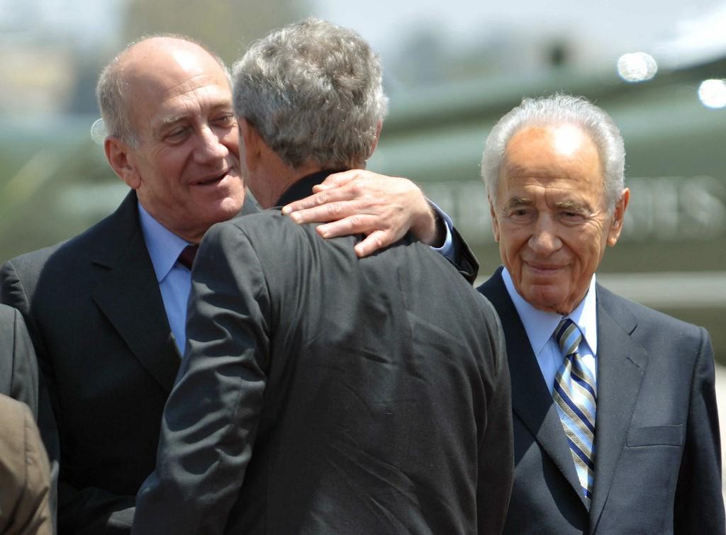 Shimon Peres, Ehud Olmert y George W. Bush