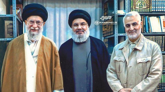 Alí Jamenei, Hassan Nasrallah y Kasem Soleimani, jefe de las Fuerzas Quds iraníes,