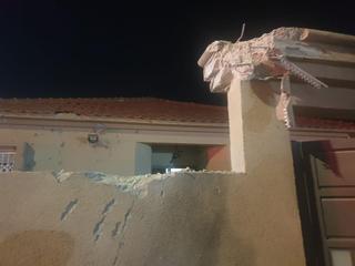 Así quedó el frente de la casa de Sderot que recibió el impacto de un misil