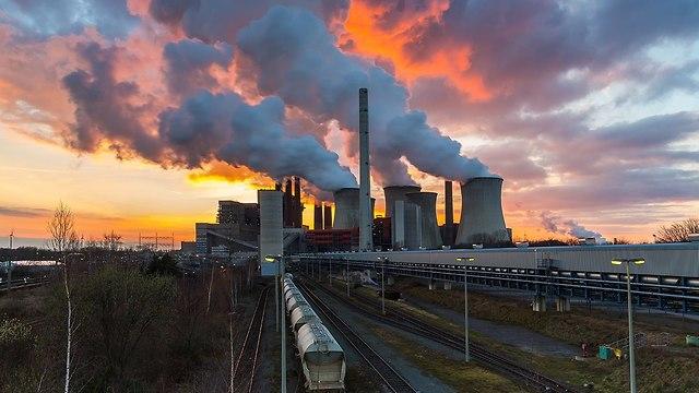 En las últimas décadas, la influencia del ser humano sobre el cambio climático es de la misma magnitud que la de la actividad solar.
