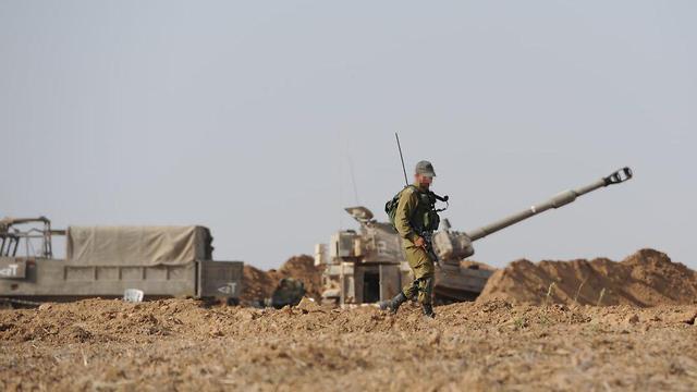 Israel desplegó cañones de artillería en la frontera con Gaza