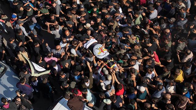 Funeral en Gaza del comandante de la Yihad Islámica Baha Abu al-Ata muerto en un ataque israelí en su casa de la ciudad de Gaza, el martes
