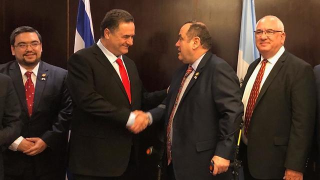 Cálida reunión entre el canciller Israel Katz y Alejandro Giammattei