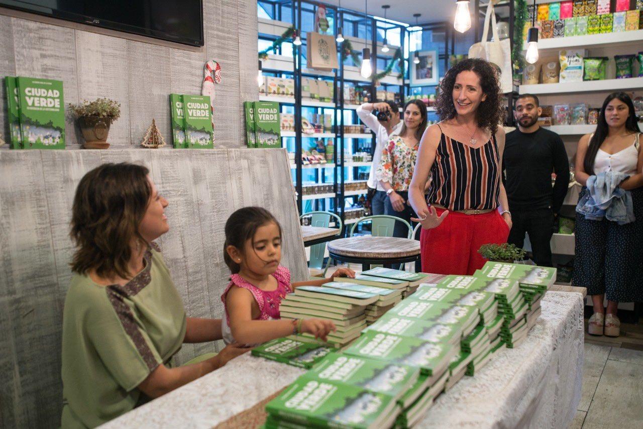 Marina Rosenberg durante el lanzamiento del libro 'Ciudad Verde'