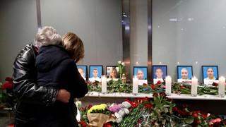 Familiares despiden a las víctimas de la catástrofe en Ucrania
