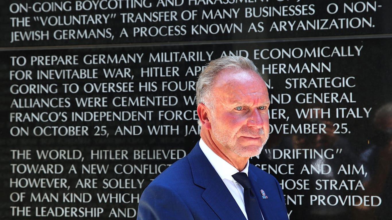 Karl-Heinz Rummenigge, director general del FCB AG, durante su visita al Museo del Holocausto de Los Ángeles (EE.UU.) en julio de 2019
