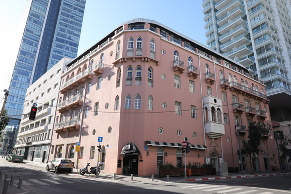 El icónico edificio rosa será renovado.