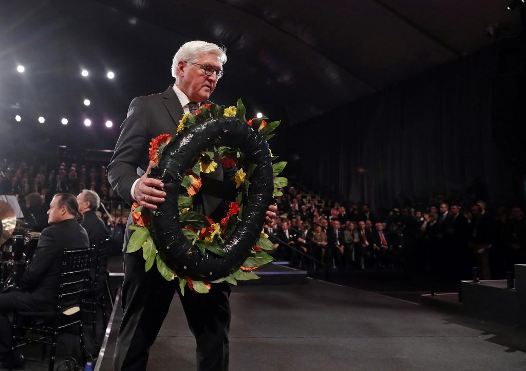 Frank-Walter Steinmeier colocó una ofrenda floral en honor a las víctimas del Holocausto