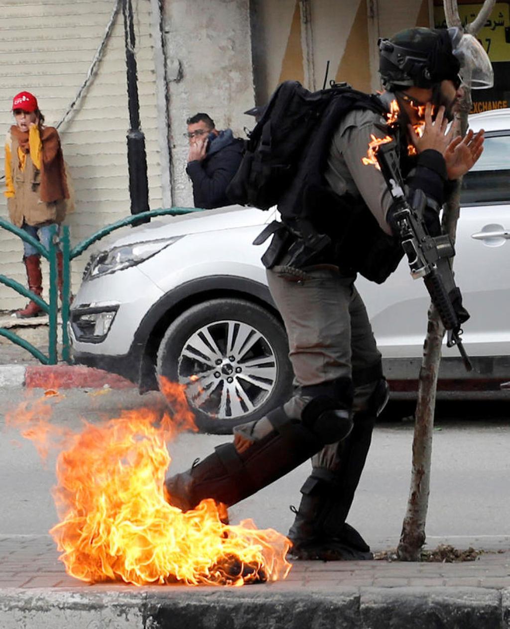 Policía Hebron Fuego