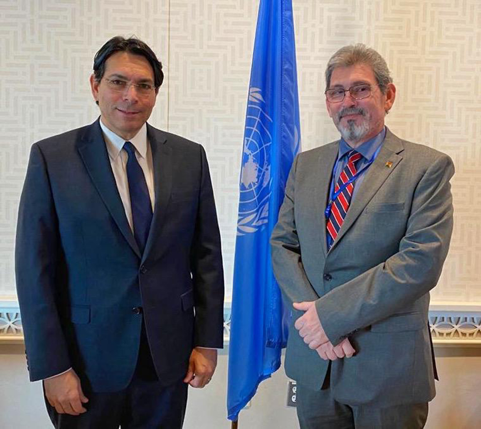 El embajador israelí en la ONU, Danny Danón, y su par boliviano, Rubén Suárez