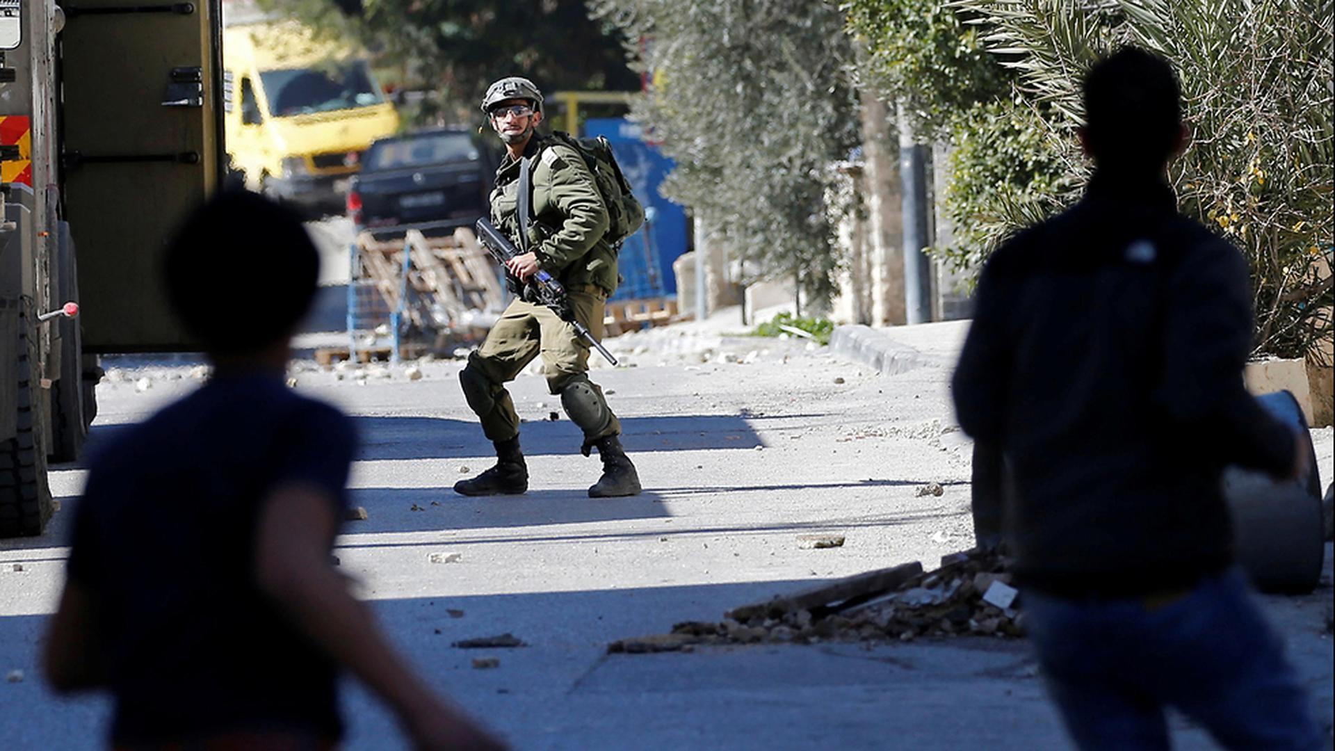 Tropas israelíes y palestinos se enfrentan en Beit Jala.