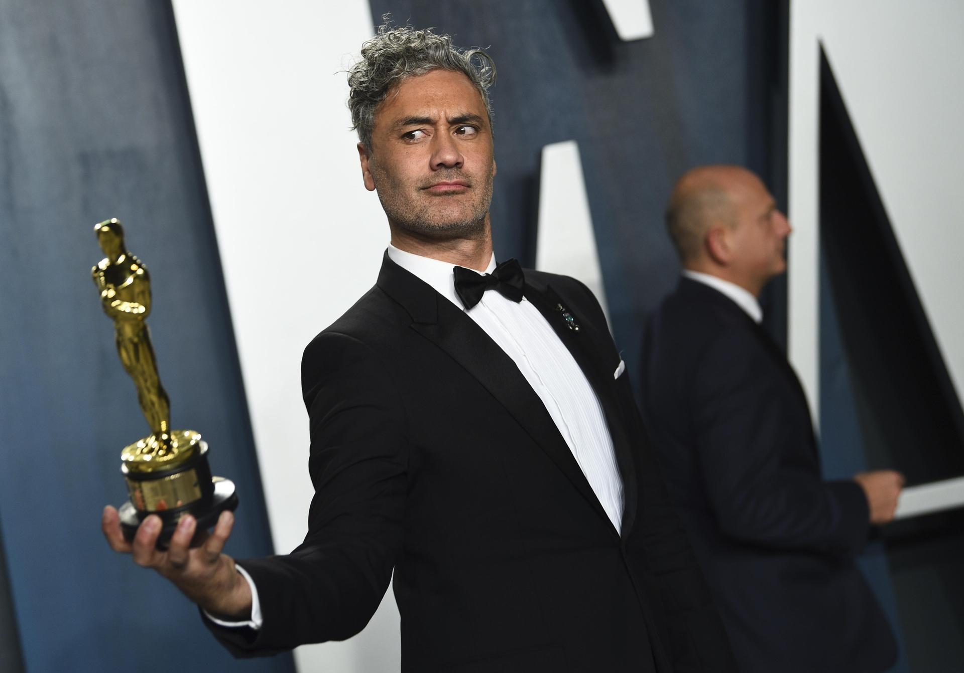 Taika Waititi ganó el premio Óscar a mejor guión adaptado