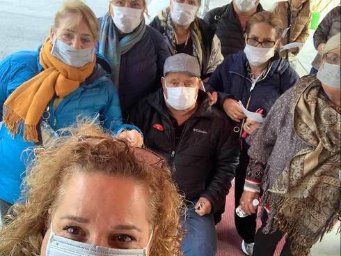 Israelíes en el barco varado en Japon