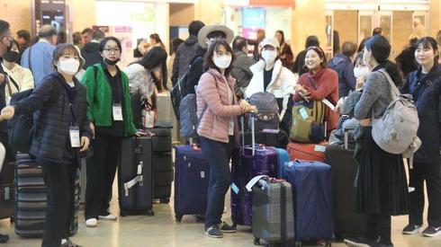 Ciudadanos tailandeses varados en el Aeropuerto Ben Gurion debido a las nuevas restricciones