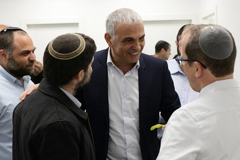 El ministro de Finanzas, Moshe Kahlon, realizó consultas en el Ministerio de Salud