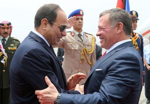 El rey Abdullah de Jordania y el presidente egipcio Abdel Fattah el-Sisi