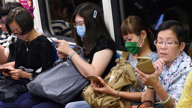 """El transporte público en Hong Kong es """"sagrado"""", pero también lo son las medidas de higiene, y no solo en tiempos de coronavirus."""
