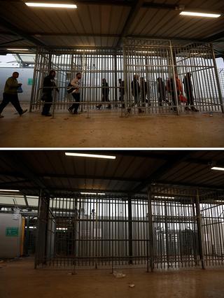 Antes y después- Palestinos en el puesto de control cerca de Ramallah.