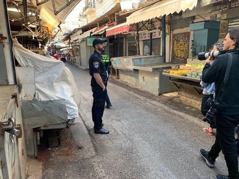 El Mercado de Carmel en Tel Aviv, cerrado debido a las nuevas pautas de aislamiento.