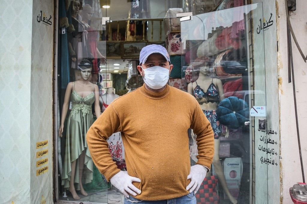 Los egipcios se protegen con barbijos.
