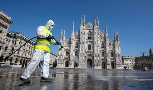 Desinfección de las calles de Milán.
