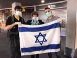 La embajadora de Israel en Argentina, Galit Ronen, despidió a los israelíes en el aeropuerto