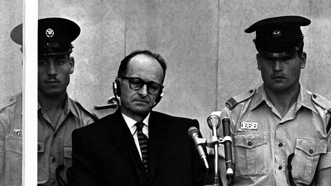 """Imágen del juicio a Eichmann, el coronel nazi arquitecto de la """"solución final"""""""