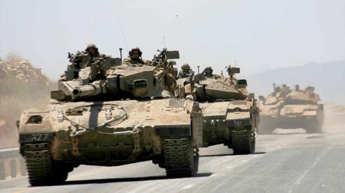Tanques de las FDI en el norte de Israel.
