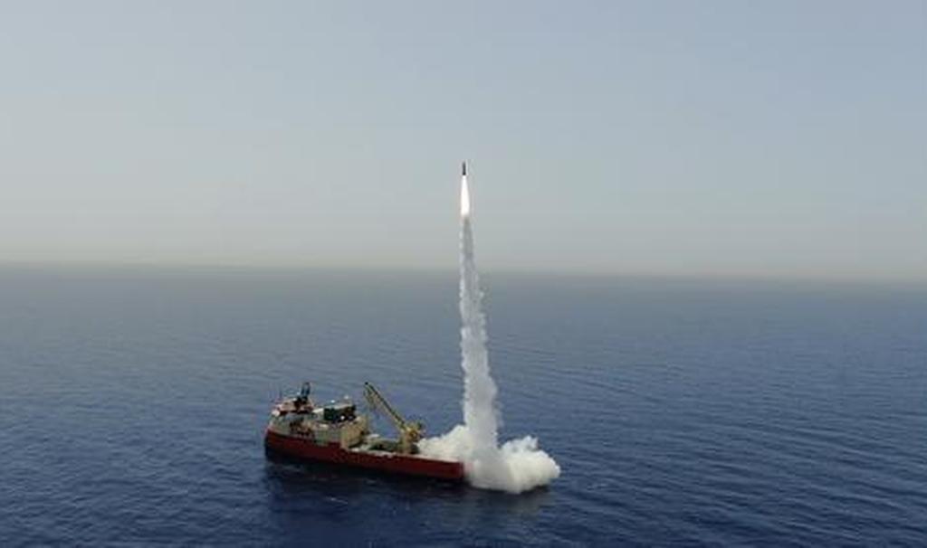 Sistema de armas LORA, misil cuasibalístico con un alcance de 400 kilómetros.