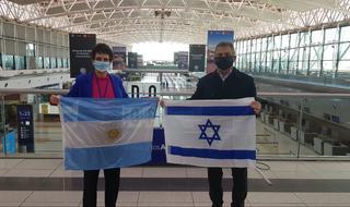 La embajadora israelí Galit Ronen despidió a Sergio Urribarri, flamante embajador argentino en Israel.