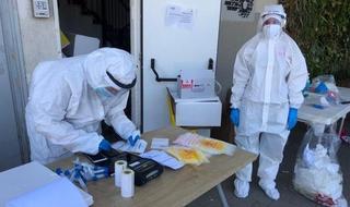 Una estación de pruebas de coronavirus en Tel Aviv.