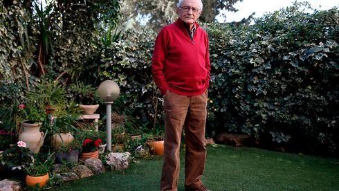 Zeev Sternhell recibió el Premio Israel en 2008.