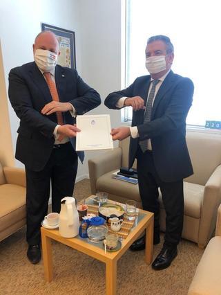 El embajador argentino entregó una copia de sus cartas credenciales al jefe de protocolo de la Cancillería israelí.