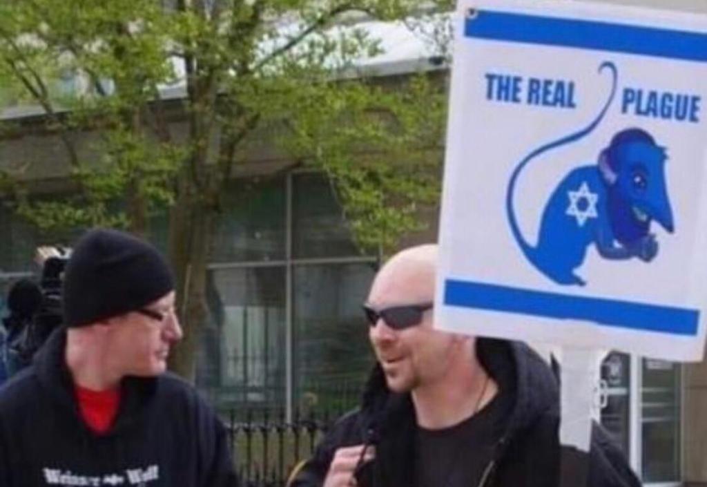 """Manifestación en Estados Unidos, donde se vuelve al discurso  antisemita del llamado """"libelo de sangre"""", según el cual """"los judíos propagan las pestes, las plagas y las pandemias""""."""
