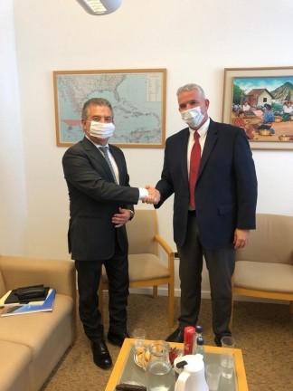 El embajador argentino, Sergio Urribarri, con Modi Ephraim, el director general para América Latina del Ministerio de Relaciones Exteriores israelí.