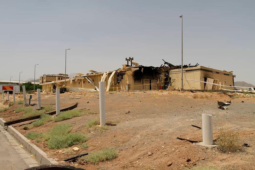 Instalación nuclear de Natanz, Irán, después de la explosión.