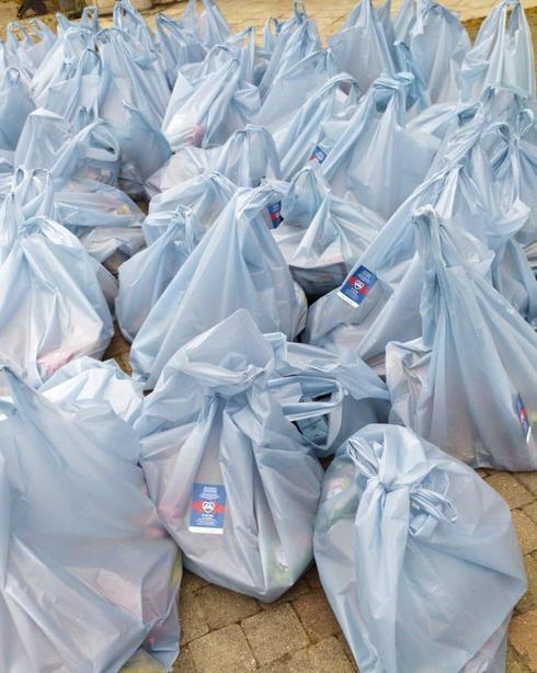 Bolsas de alimentos en Italia enviadas por la Agencia Judía.