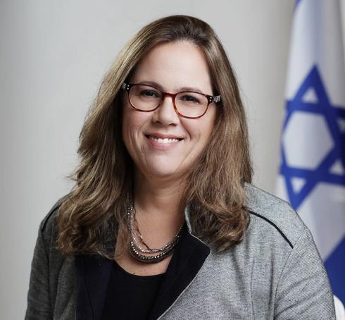 """Directora ejecutiva de la Agencia Judía, Amira Aharonovitz: """"El objetivo es poner en funcionamiento una red de ayuda mutua""""."""