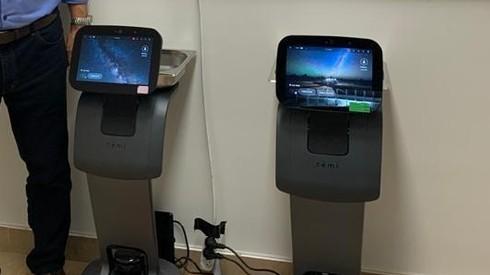 Robots para la atención de coronavirus que Israel enviará a India.
