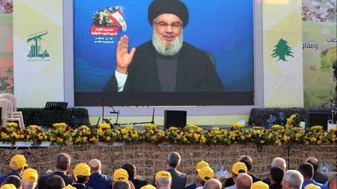 El líder de Hezbollah, Hassan Nasrallah, se dirige a miembros de la organización después del ataque en Siria atribuido a Israel.