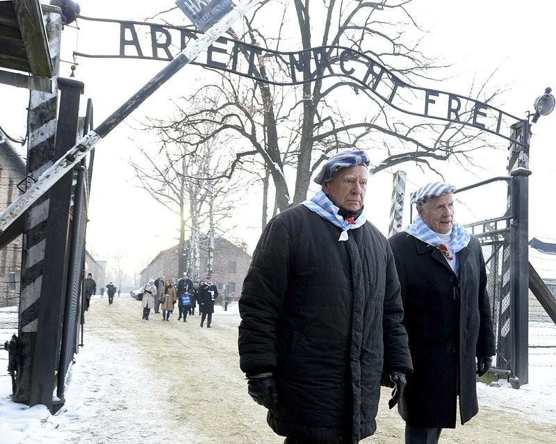 Los sobrevivientes de Auschwitz rinden homenaje en el campamento el día del recuerdo del Holocausto 2019.