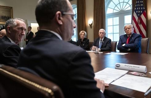 El CEO de Moderna, Stéphane Bancel, se reunió con el presidente Donald Trump y altos funcionarios estadounidenses en la Casa Blanca.