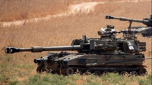Vehículos blindados en el área del monte Dov tras el intento de infiltración de Hezbollah.