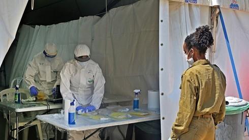 Centro de testeo por coronavirus en Jerusalem.