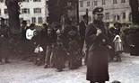 Un grupo de gitanos pronto a ser deportado, en Asperg, Alemania.