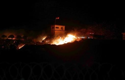 Se desató un incendio tras el bombardeo atribuido a Israel en Siria.