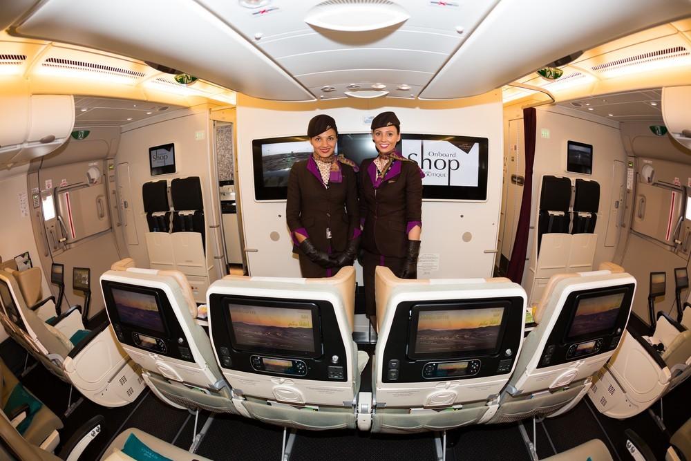 Personal de a bordo de la compañía Emirates, con base en Dubai.